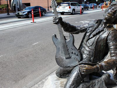 seattle music jimi hendrix statue